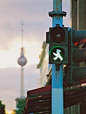 La caótica evolución de las señales de tráfico
