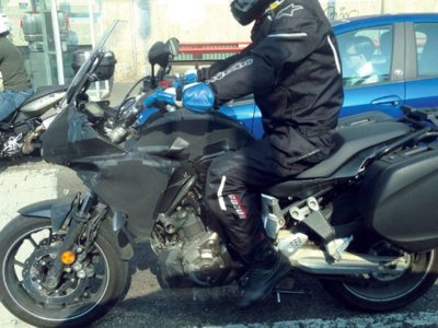 Cazada la posible Yamaha MT-07 Tracer en Italia