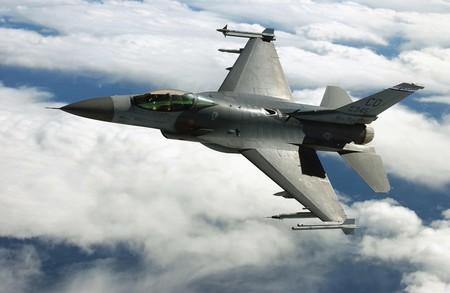 La inteligencia artificial se enfrentará a un piloto humano en un combate con aviones reales en 2024