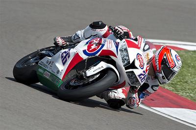 Superbikes Italia 2014: gana Lorenzo Zanetti y van der Mark lidera Supersport