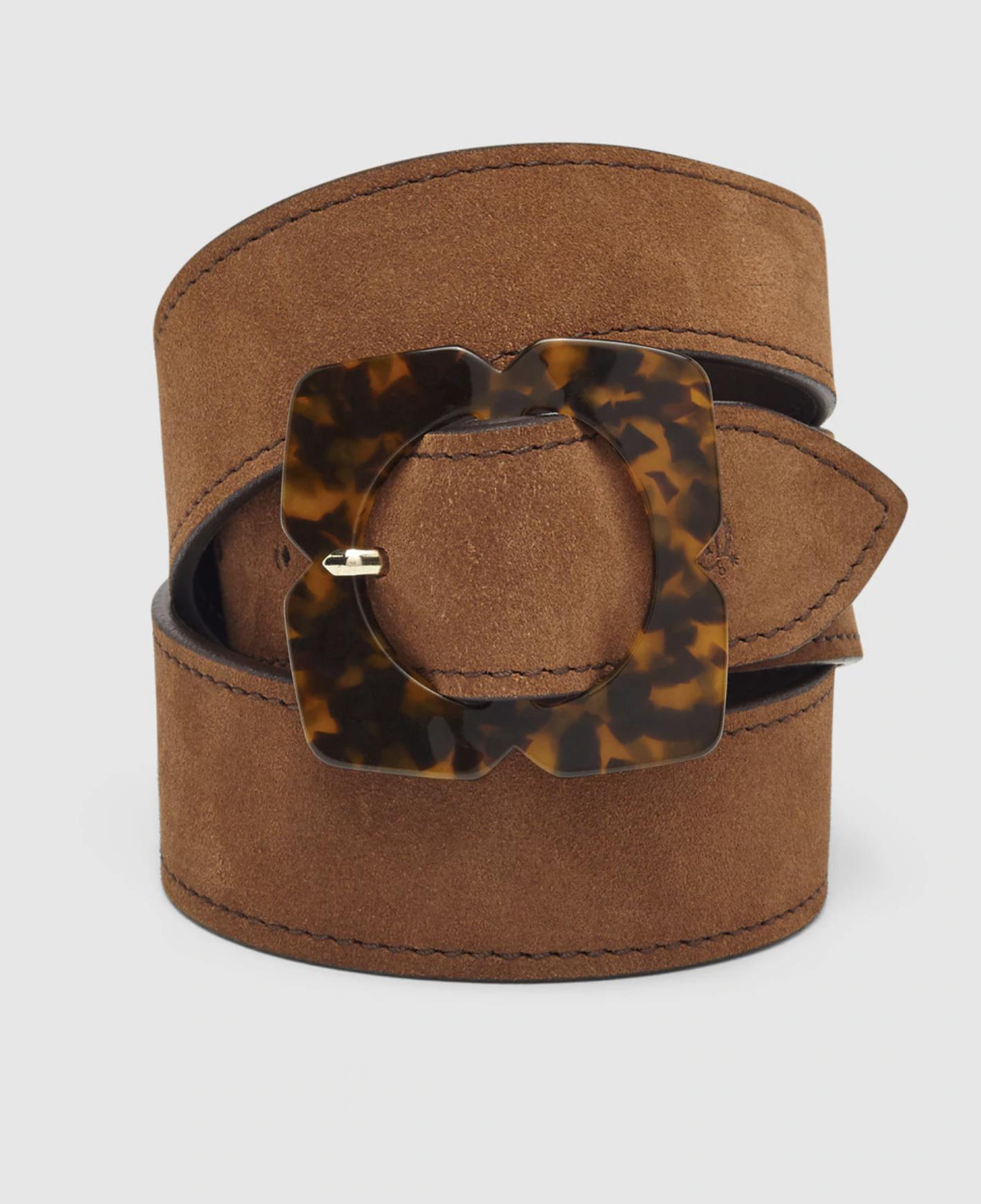 Cinturón de mujer El Caballo de piel serraje en tono camel con hebilla carey