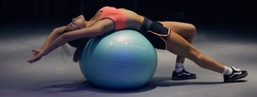 Cómo utilizar el fitball en el gimnasio: nueve ejercicios para trabajar todo tu cuerpo