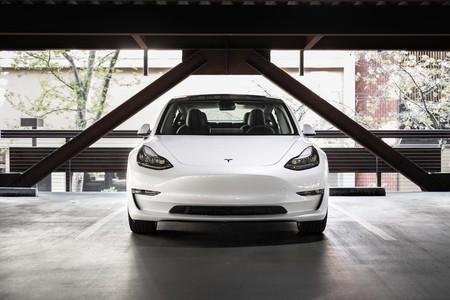 Tesla hace cambios cosméticos en los precios de los Model 3, Model S y Model X mientras elimina algunas variantes