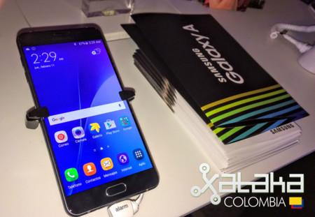 Samsung lanza en Colombia su nueva línea de teléfonos Galaxy A