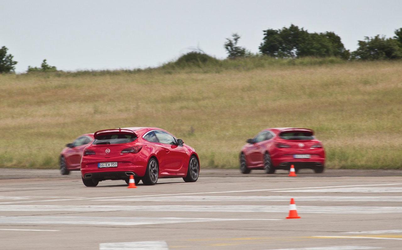 Foto de Opel Astra OPC (42/46)