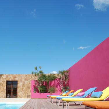 Puertas abiertas: una casa alegre y colorista con vistas al Mediterráneo en la reserva de Sotogrande