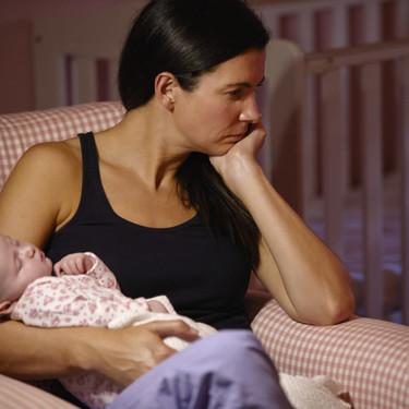 Las madres que pasan por una cesárea no planeada tendrían mayores probabilidades de padecer depresión postparto: estudio