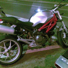 fotos-espia-de-la-ducati-monster-1100
