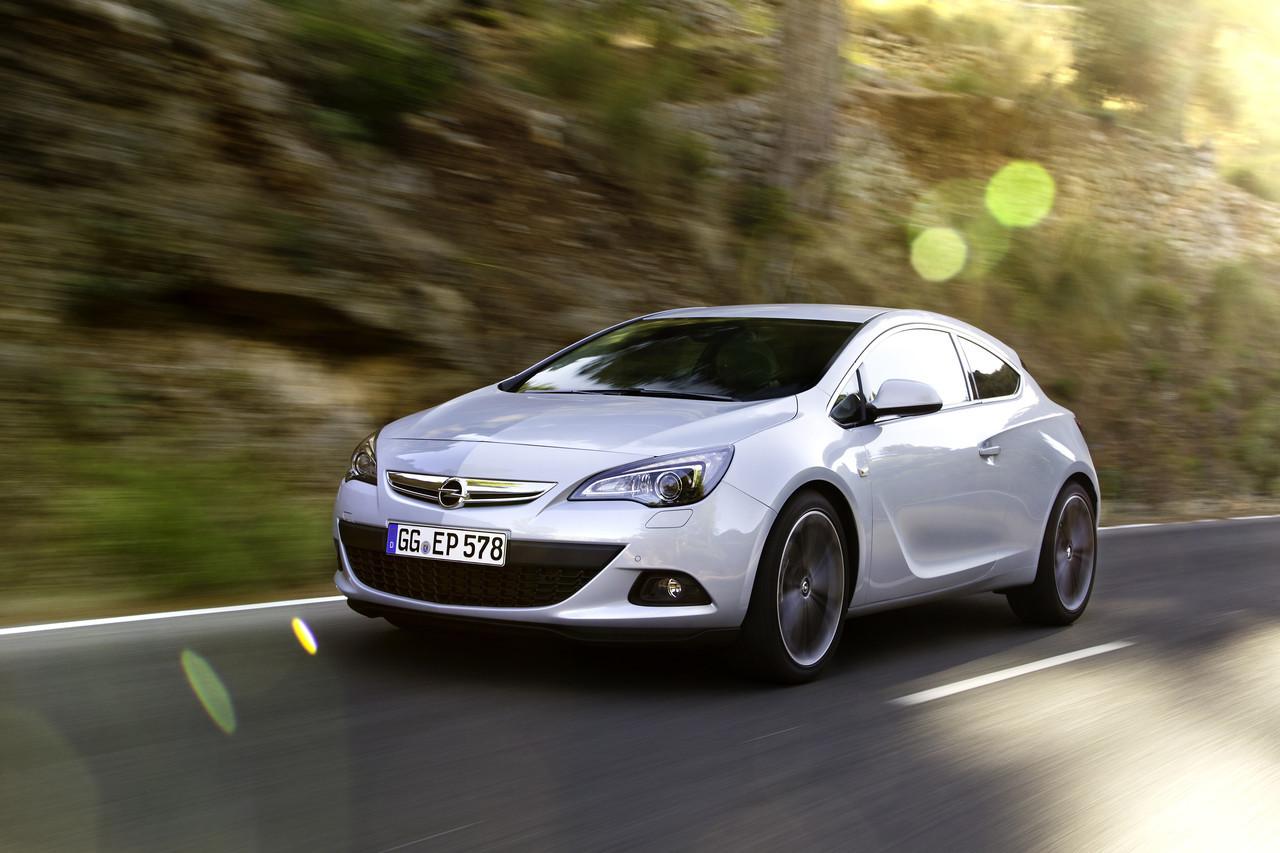 Foto de Opel Astra GTC (75/90)