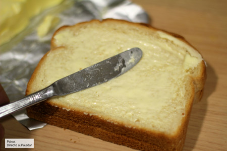Untar Mantequilla Sandwich Mixto