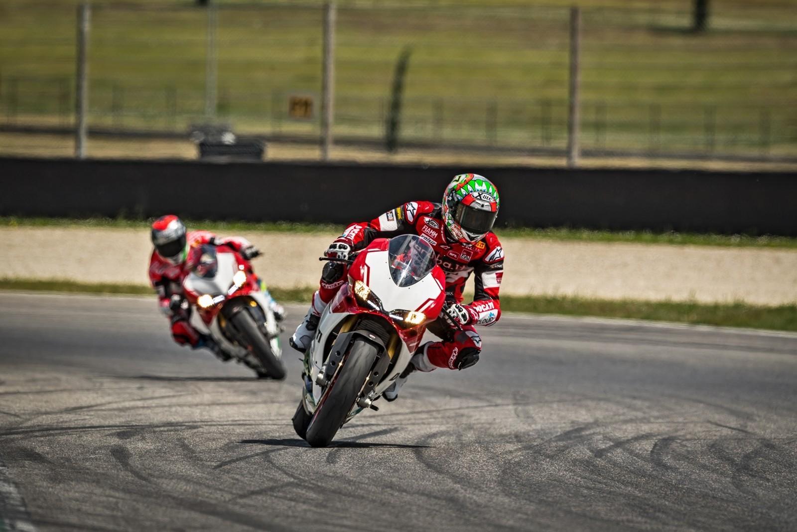 Foto de Ducati 1299 Panigale R Final Edition (23/58)