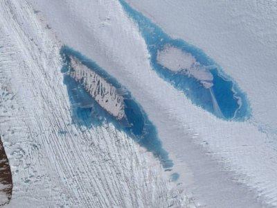 Por qué la aparición de miles de lagos en la Antártida es otra nefasta señal para nuestro futuro