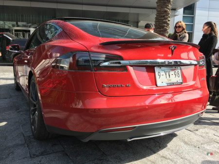Tesla Model S Mexico 31