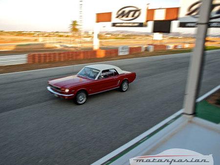 Reunión de Ford Mustang en el Circuito de Cartagena