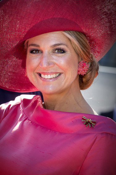 Máxima, toda una pink lady en Baviera que, a falta de retrato oficial no dudó en que la enmarcaran para la foto