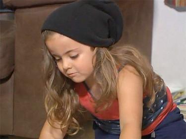 Un colegio prohíbe a un niño de 4 años ir a clase por llevar el pelo demasiado largo