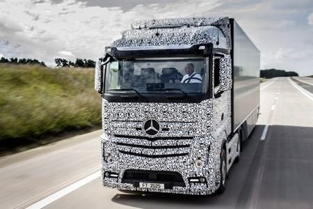 mercedes-future-truck-3.jpg