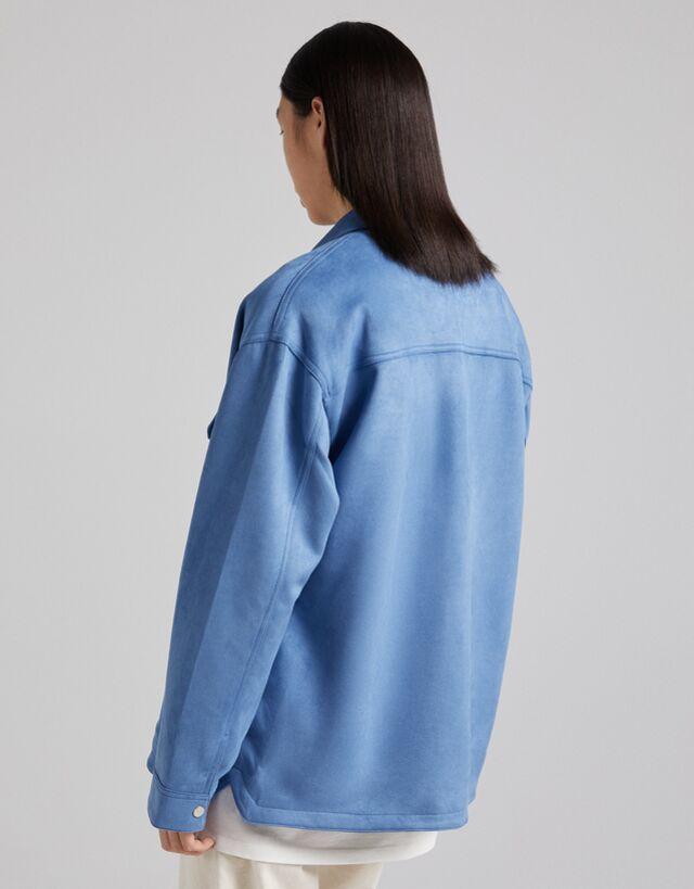 Sobrecamisa efecto ante con boslillos en color azul