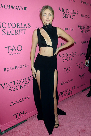 ¡La alfombra rosa de Victoria's Secret nos dejó looks de lo más sexys!