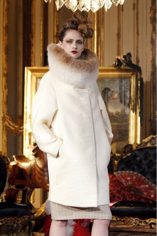 Foto de John Galliano Otoño-Invierno 2011/2012 en la Semana de la Moda de París: sobre la pasarela, un genio (7/13)