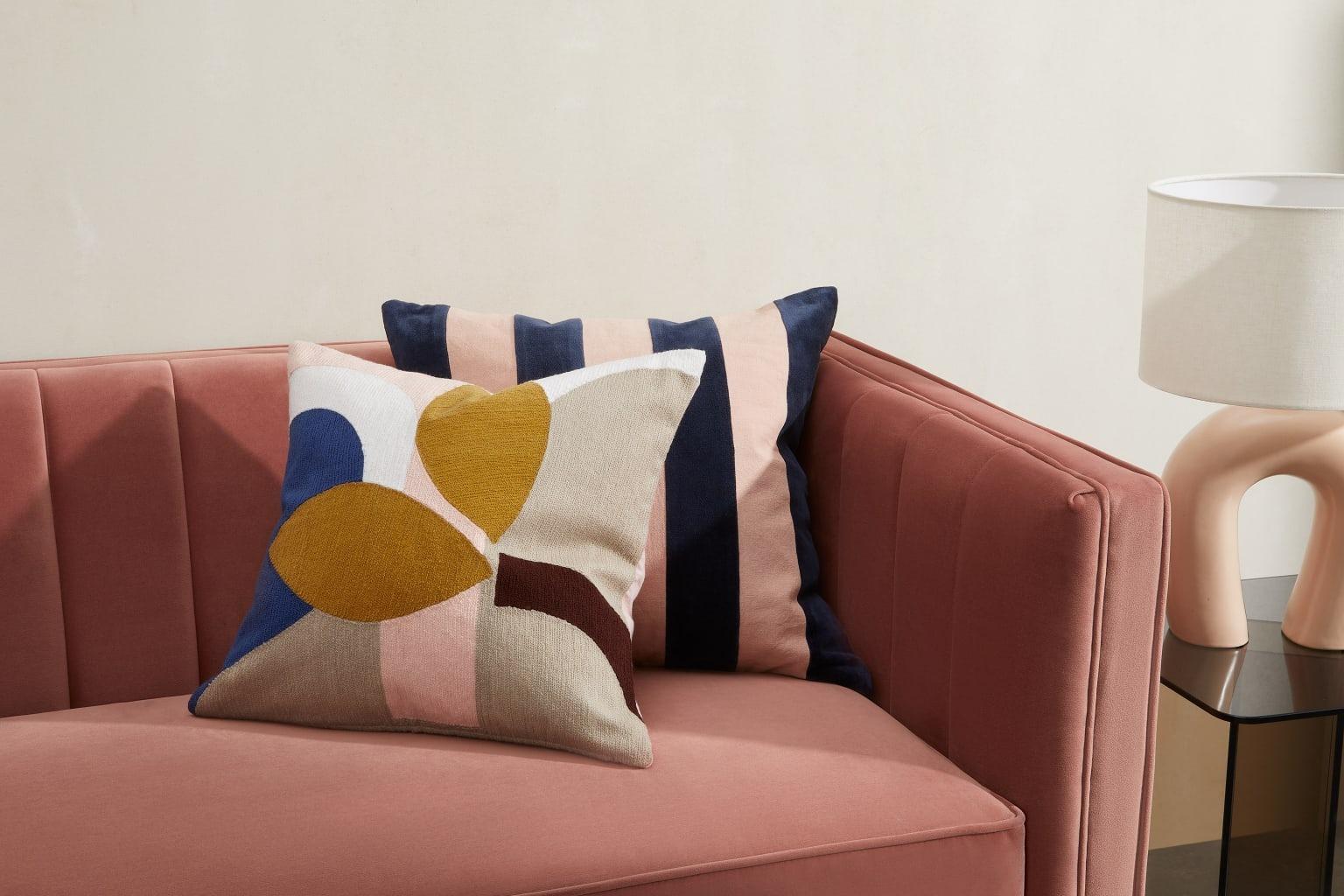 Cojín bordado lanua, 45 x 45 cm, rosa y multicolor