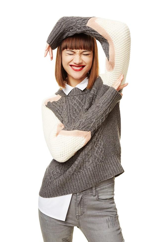 Nos adelantamos al otoño con este jersey tricot gris con 30% de descuento en Desigual