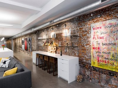 Descubre este estupendo loft con un irresistible toque industrial
