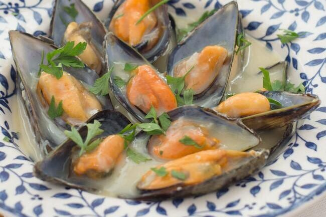 Receta de mejillones a la mostaza, perfecta para un aperitivo fácil y rápido
