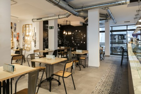 Sana Locura Gluten Free Bakery, el minimalismo industrial inunda Madrid