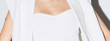 Clonados y pillados: este es el top bandeau de Sfera que nos ayudará a crear los looks de Saint Laurent