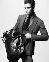 Elegancia en estado puro en la campaña de Giorgio Armani Otoño-Invierno 2012/2013