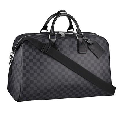 Louis Vuitton lanza el bolso Neo Kendall, para el hombre de hoy en día