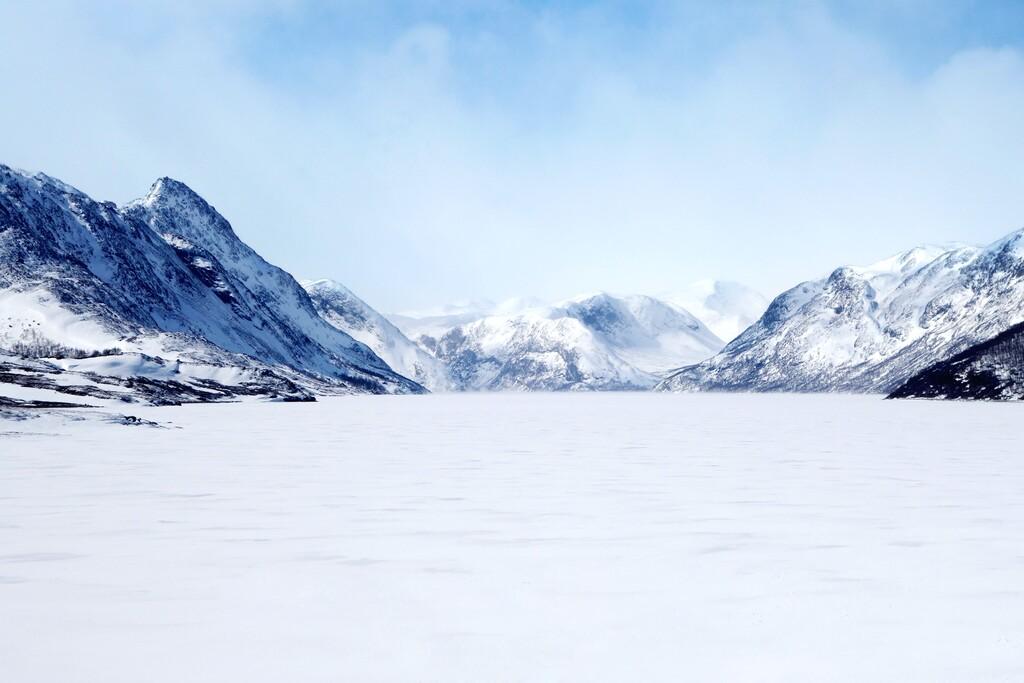 Un iPhone once Pro sobrevive 30 días sumergido en un lago helado anteriormente de ser recuperado por su propietaria