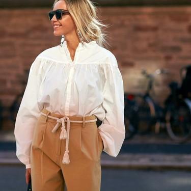 14 blusas blancas de moda que combinarás con todo tu armario