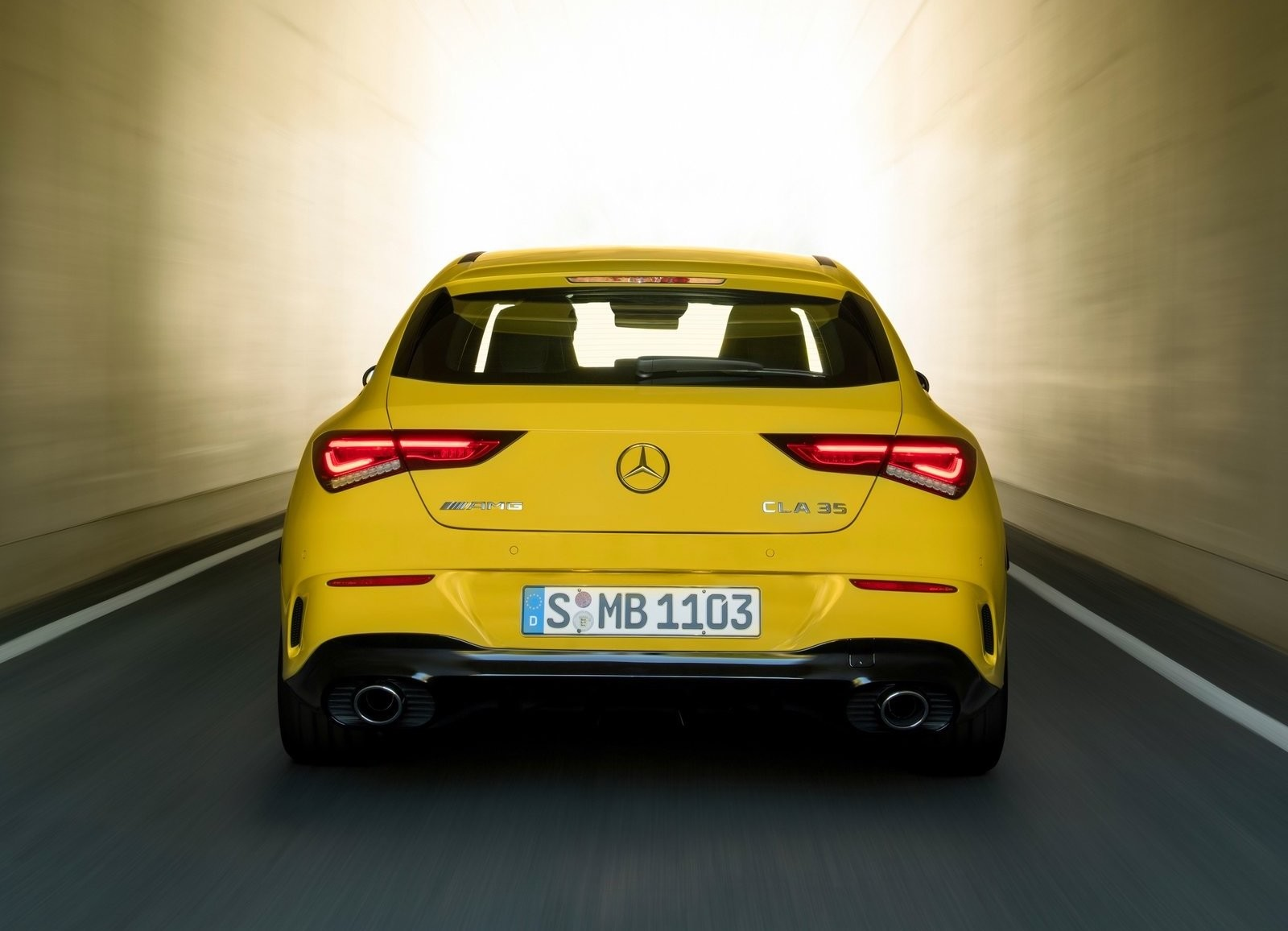 Foto de Mercedes-AMG CLA 35 Shooting Brake (12/15)