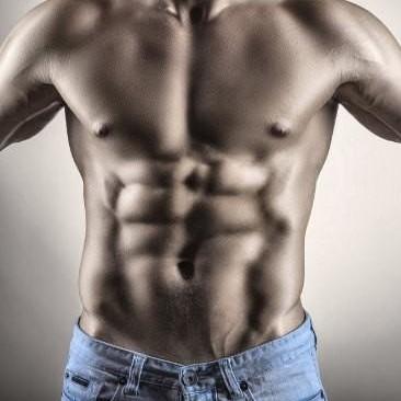 13 ejercicios abdominales que puedes intensificar con una banda elástica