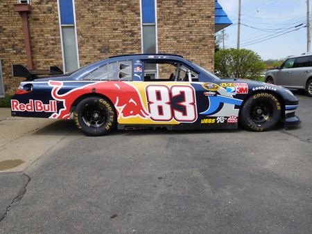 ¡Menuda ganga! Este coche de NASCAR de 700 CV sale a subasta por poco más de 30.000 euros