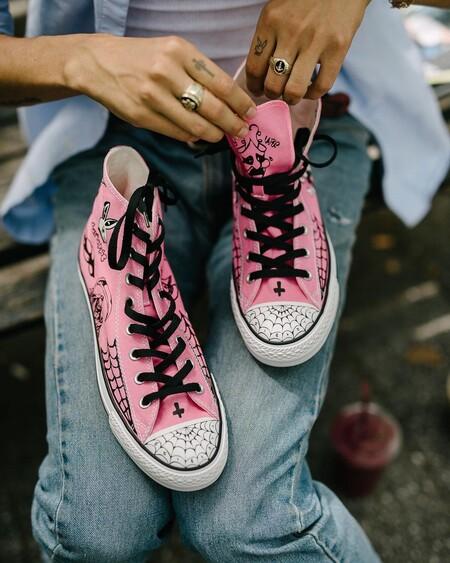 Pinta tus Converse para personalizarlas al máximo y darles tu toque personal: cómo hacerlo paso a paso