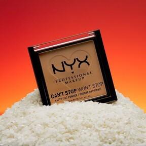 Los nuevos polvos compactos de Nyx están pensados para eliminar los brillos de la piel durante todo el día