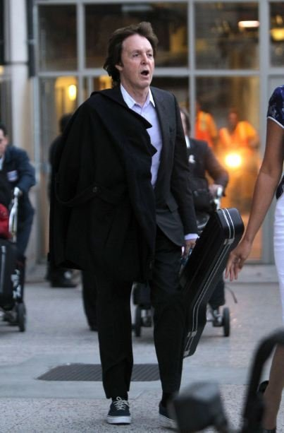 Paul McCartney con un look de lo más streetstyle