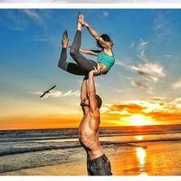 Los mejores perfiles de Instagram para practicar Yoga en pareja