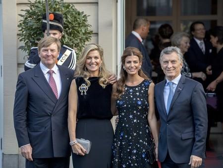 Duelo de estilo entre argentinas: Juliana Awada y Máxima de Holanda son lo más