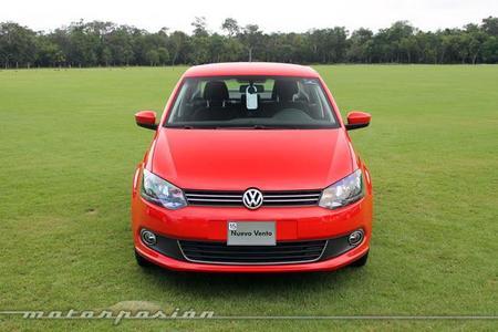 Contacto: Volkswagen Vento 2014