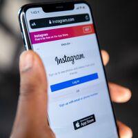 Instagram ya es capaz de traducir automáticamente el texto de las historias en otros idiomas: así funciona