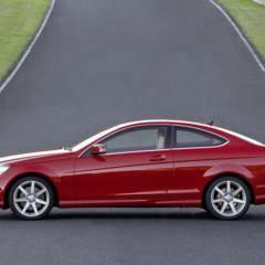 Foto 31 de 41 de la galería mercedes-benz-clase-c-coupe-2011 en Motorpasión