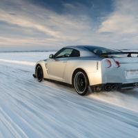 En Suecia ya se están cansando de que las marcas invadan sus lagos helados para probar coches