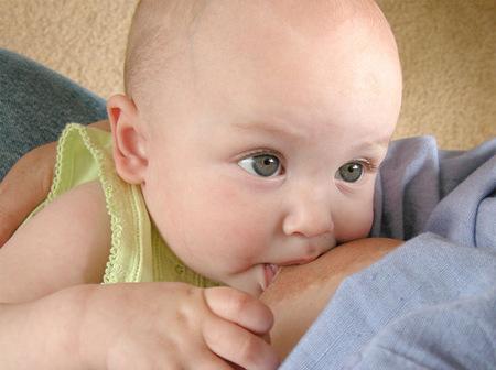Ah, ¿pero es que los pediatras no son asesores de lactancia?