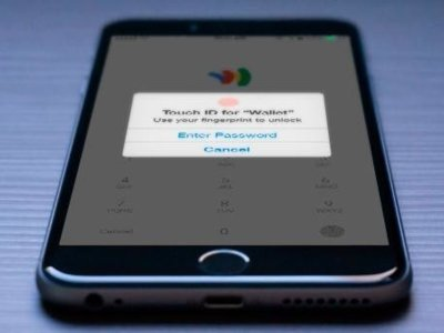 """El FBI explica ahora que no quiere """"una puerta trasera"""" para acceder al iPhone 5c"""