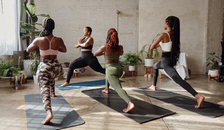 Si te has aficionado al yoga durante el confinamiento, esta colección de &Other Stories te motivará para seguir practicando en 2021