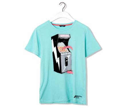 Pull and Bear se une a la nostalgia retro en su nueva colección de camisetas